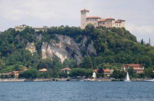 borromeo-castle-876161_960_720